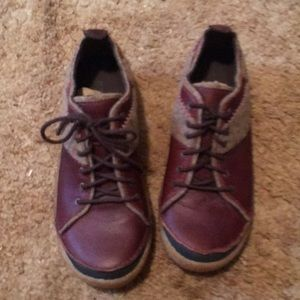 Brown/taupe lace up Merrell Shoes